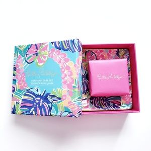 Lilly Pulitzer Soap and Tray Dish in Exotic Garden